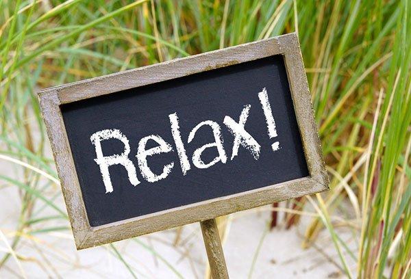 relax-schild---©-DOC-RABE-Media---Fotolia.com